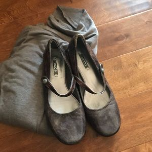 Ecco Taupe Mary Jane flats